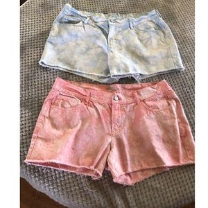 Bundle of 2 Old Navy The Diva Tie Dye Jean Shorts
